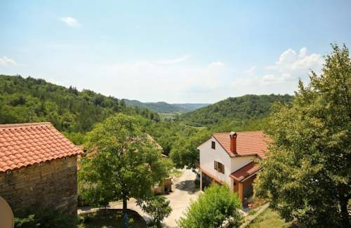Holiday home Ladavci I